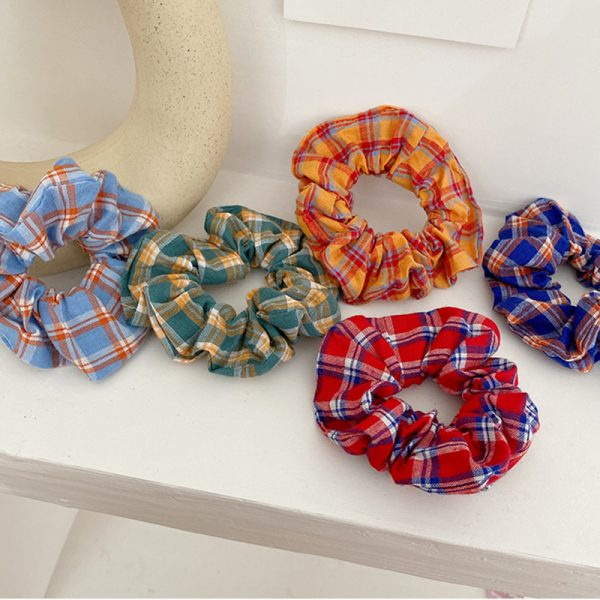 THE MOODSS Maeve Scrunchie-3