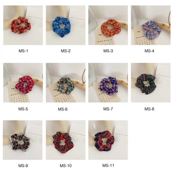 THE MOODSS Maeve Scrunchie-4